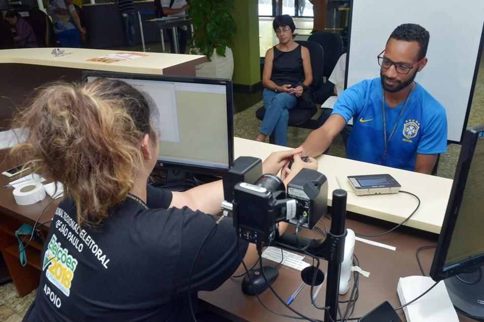 Sem biometria, quase 438 mil eleitores precisam regularizar situação na região — Foto:  Charles de Moura/PMSJC