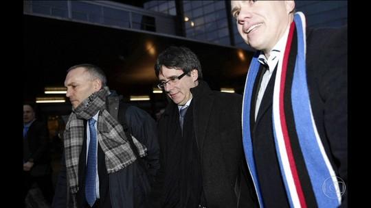 Puigdemont chega a Copenhague; Espanha quer prendê-lo
