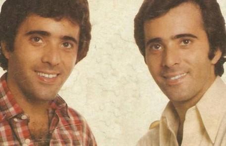 """Em 1981, Tony Ramos viveu os gêmeos Quinzinho e João Victor na novela """"Baila comigo"""". No início da trama, eles não sabiam um da existência do outro TV Globo"""