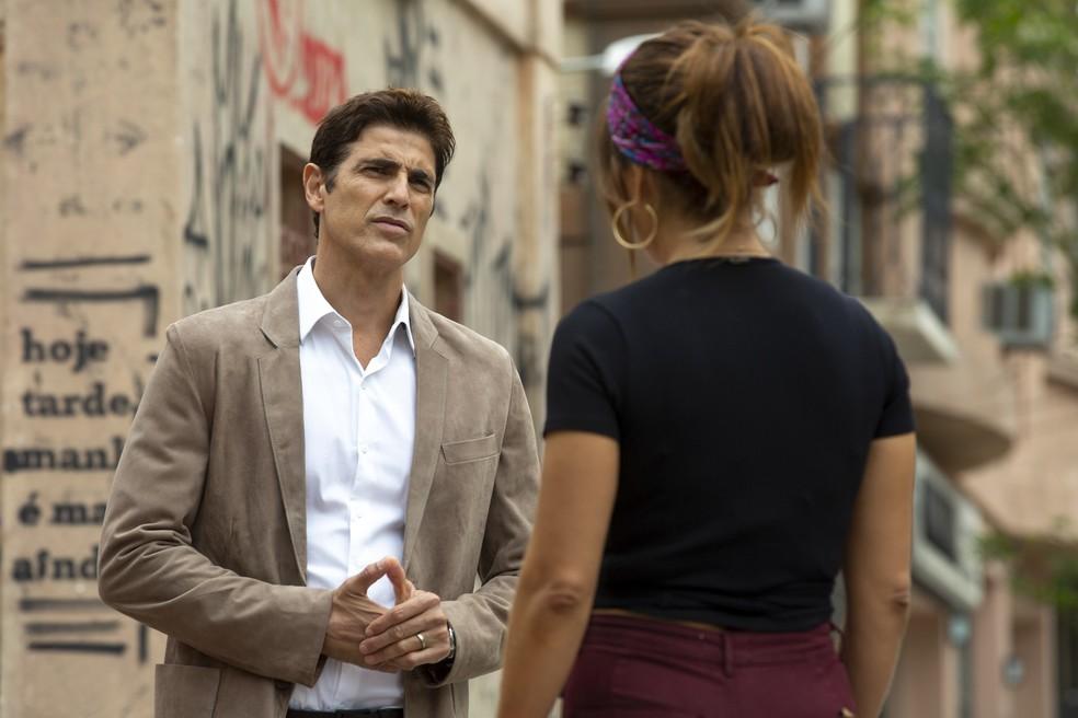 Régis (Reynaldo Gianecchini) declara todo o seu amor a Maria da Paz (Juliana Paes), na novela 'A Dona do Pedaço' — Foto: Isabella Pinheiro/Gshow
