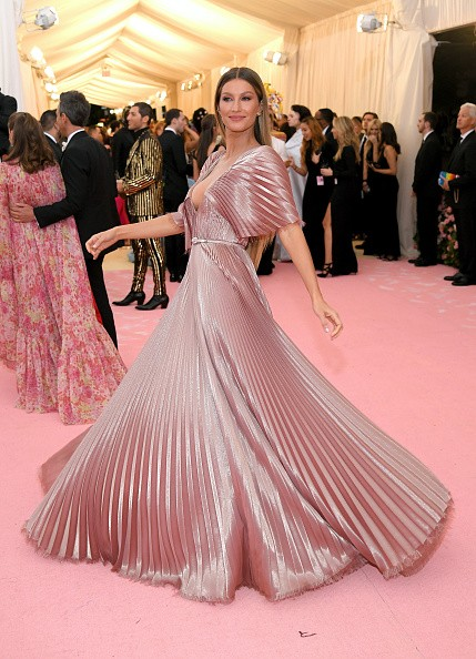 NEW YORK, NEW YORK - MAY 06: Gisele Bündchen attends The 2019 Met Gala Celebrating Camp: Notes on Fashion at Metropolitan Museum of Art on May 06, 2019 in New York City. (Photo by Neilson Barnard/Getty Images) (Foto: Getty Images)
