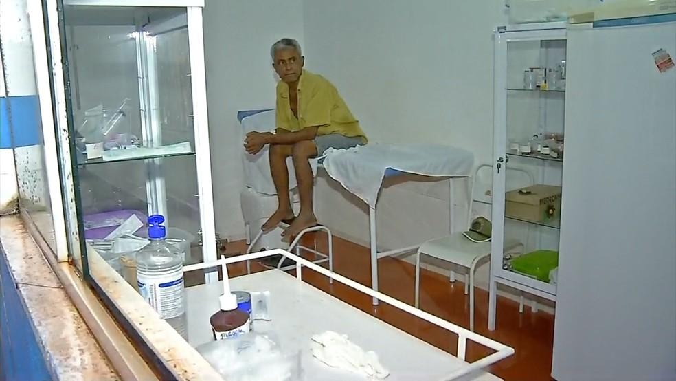 Um paciente que estava internado precisou ser transferido (Foto: TVCA/Reprodução)