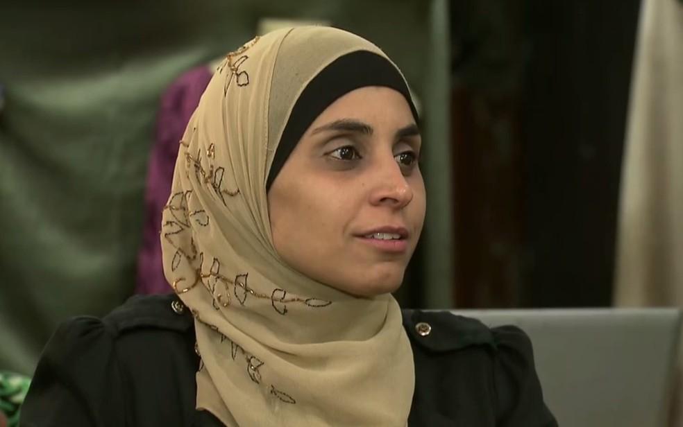 Rihab foi impedida de renovar a CNH porque se recusou a tirar o véu tradicional da religião islã (Foto: TV Globo/Reprodução)