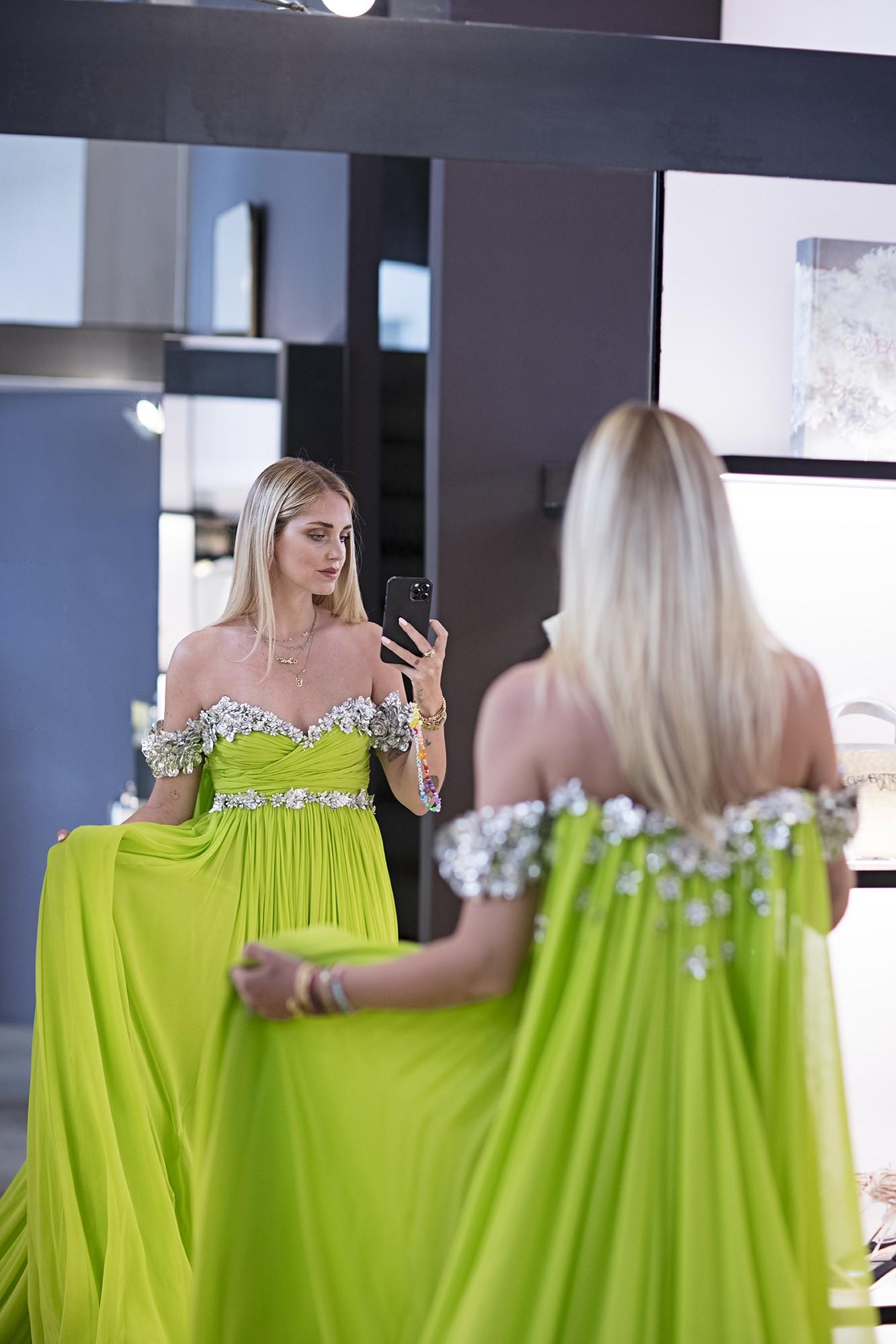 Chiara Ferragni esbajna beleza em vestido sustentável em Cannes 2021 (Foto: Divulgação )