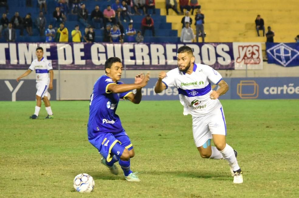 8ede82d0497ea ... Rafael Villa foi bem jogando na lateral-direita — Foto  Manoel Façanha