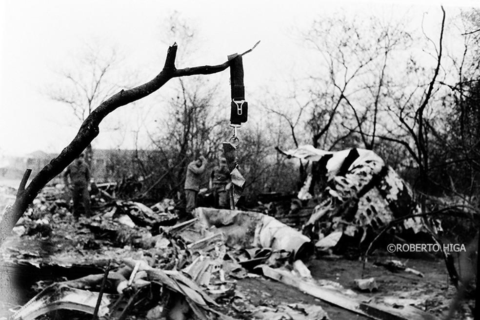 Destroços da aeronave Búfalo que caiu no dia 18 de setembro de 1974, em Ponta Porã (MS). — Foto: Roberto Higa