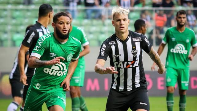 Arthur Caíque, Róger Guedes, Atlético-MG x Chapecoense