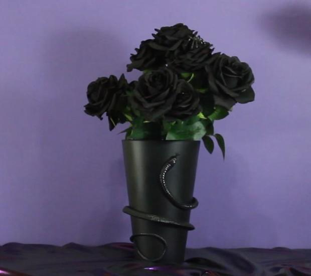 Especial Halloween: Vaso de cobra para decorar a casa (Foto: Casa e Jardim)