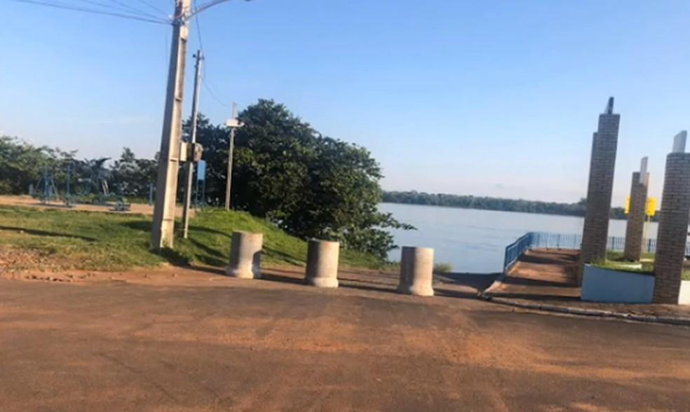 Prefeitura de Porto Rico fecha rampas de acesso ao Rio Paraná — Foto: Reprodução/RPC