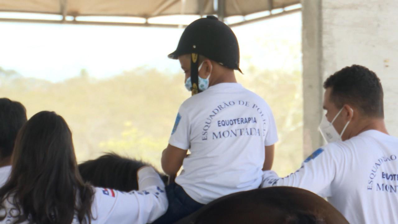 Projeto da Polícia Militar mantém serviço de equoterapia no sertão da Bahia