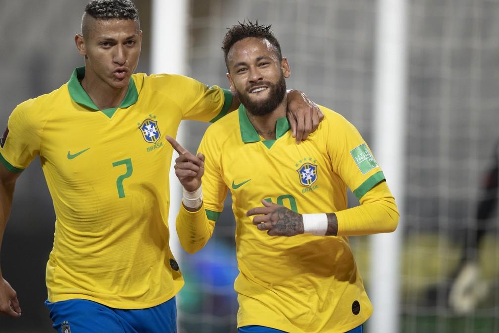 Neymar mostrou os dentes e fez gesto característico de Ronaldo — Foto: Lucas Figueiredo/CBF