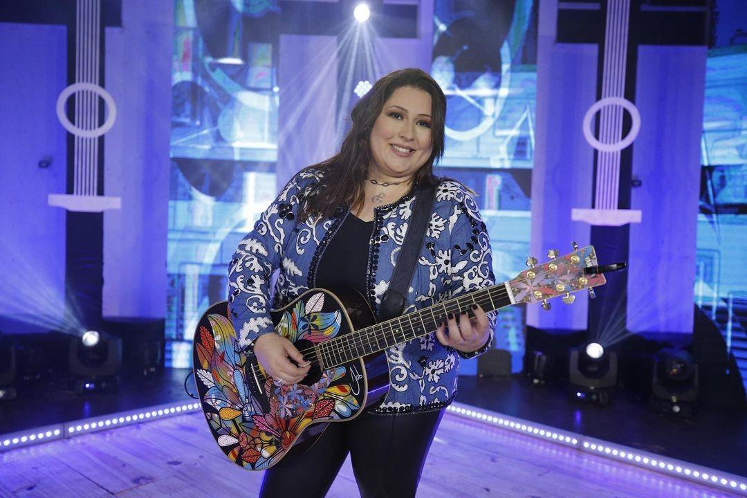 Paulinha Gonçalves aposta em carreira de cantora após compor hits para Maiara, Maraisa e outros