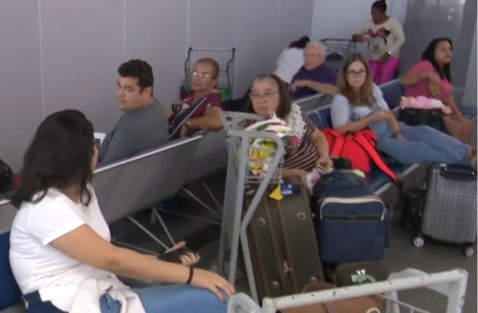 Ao menos 16 voos da empresa aérea Avianca, que chegariam ou partiriam de Salvador nesta segunda-feira (29) foram cancelados.  — Foto: Reprodução / TV Bahia