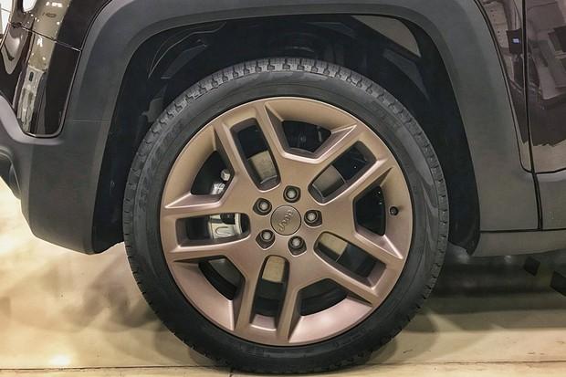 Jeep Renegade 2019 pode receber roda aro 19 (Foto: Diogo de Oliveira/Autoesporte)