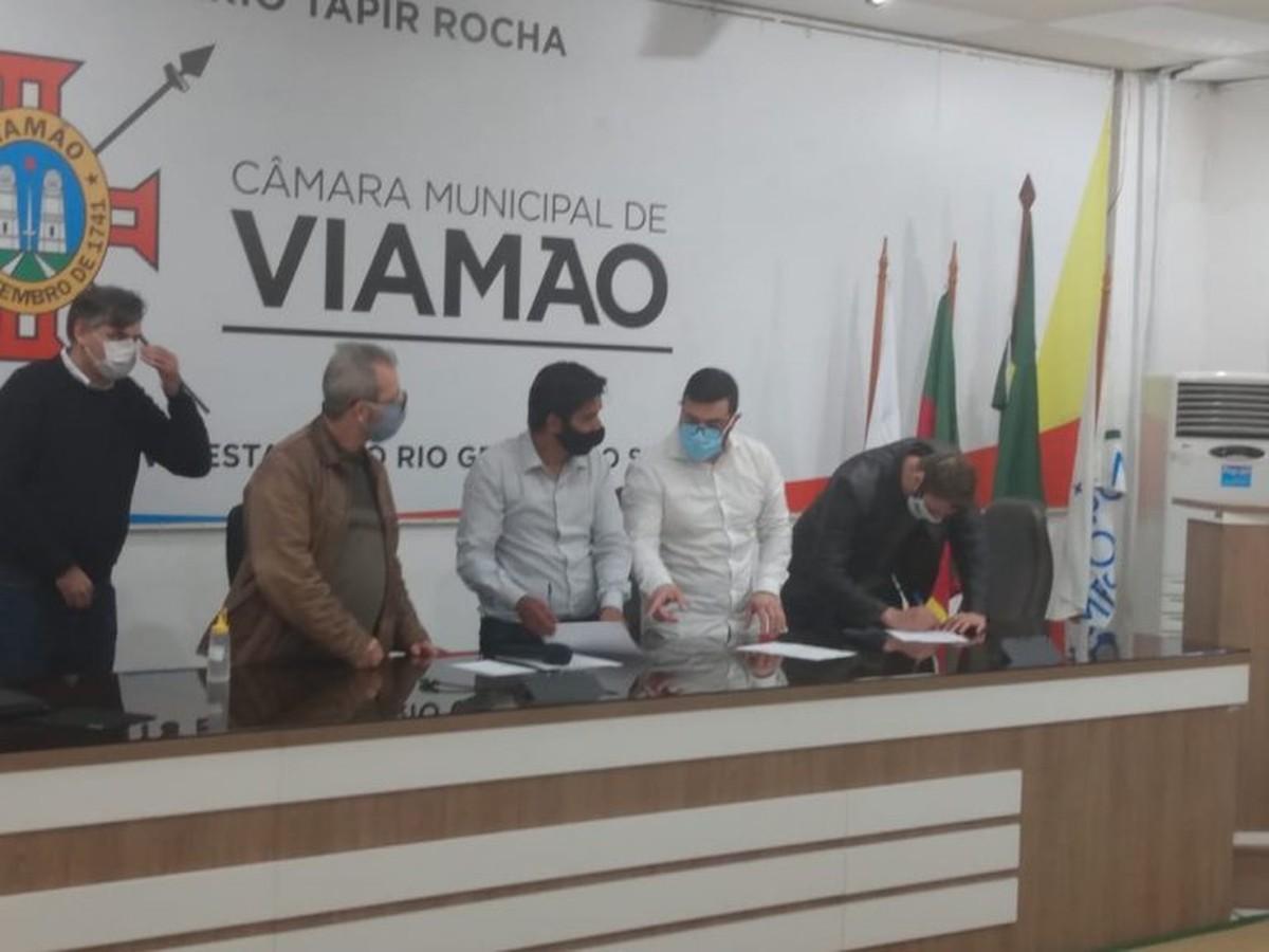 Evandro Rodrigues é empossado como novo prefeito de Viamão – G1