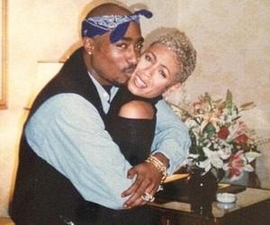 Mulher de Will Smith mostra poema inédito do rapper Tupac para homenageá-lo na data em que faria 50 anos