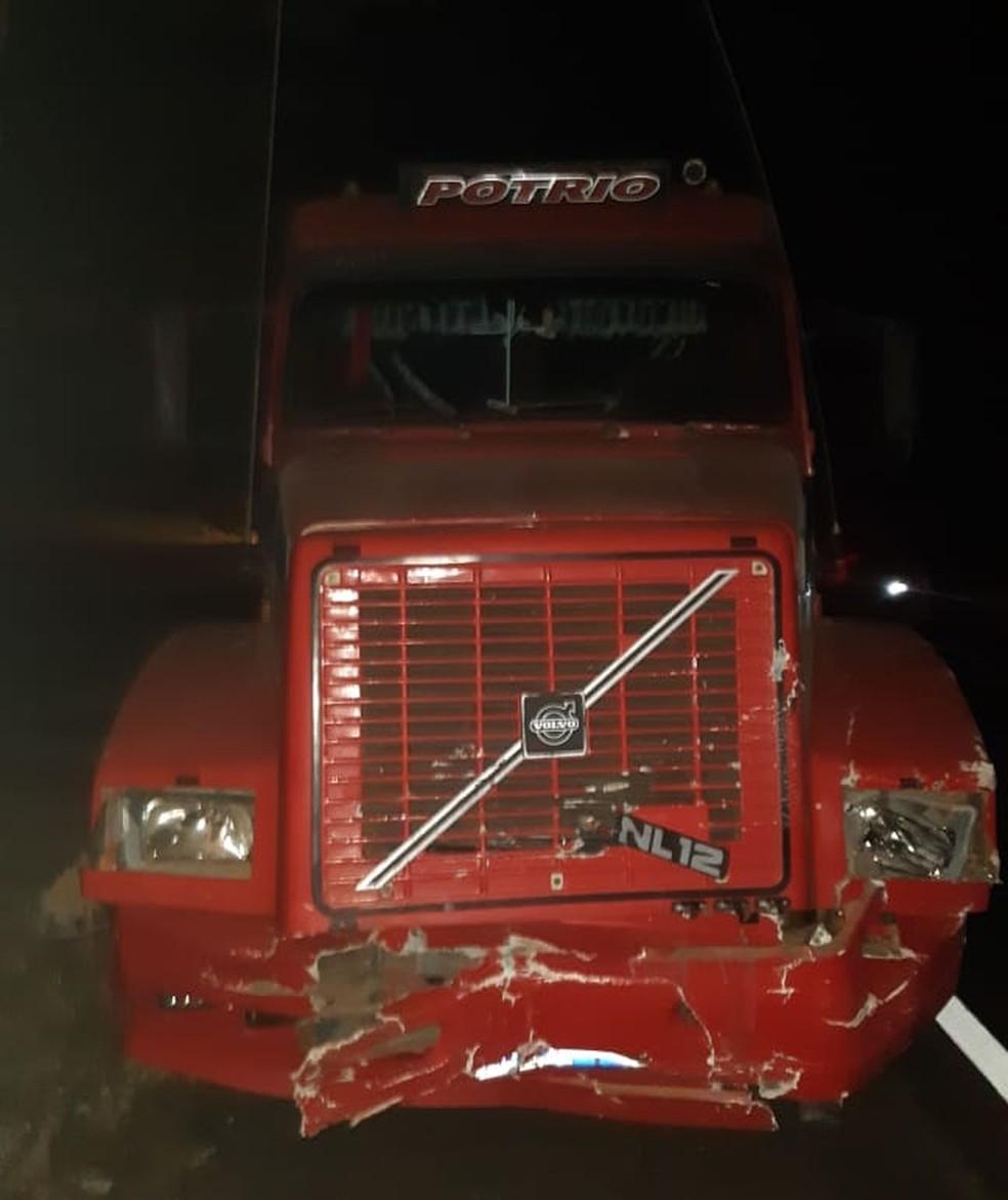 Acidente aconteceu na BR-153 em Ocauçu — Foto: Polícia Rodoviária Federal/Divulgação