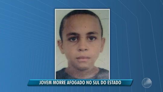 Adolescente de 17 anos morre afogado na Bahia após pular em rio sem saber nadar