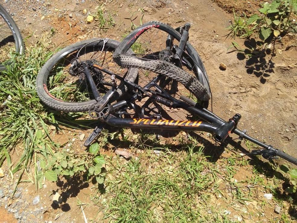 Bicicleta da vítima de acidente na DF-205 — Foto: Polícia Civil do DF/Divulgação
