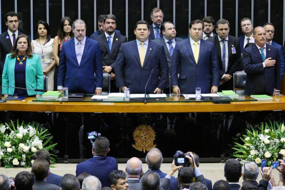 Autoridades na Mesa do Congresso Nacional, em sessão solene de reabertura do ano legislativo — Foto: Pablo Valadares/Câmara dos Deputados