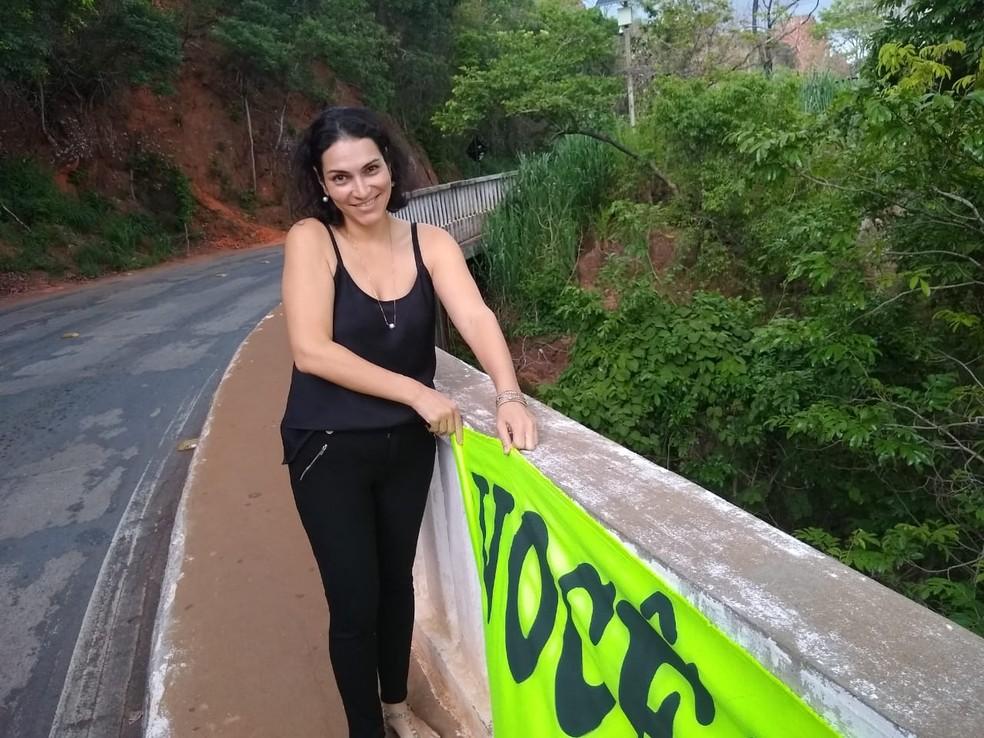 Luciana Tenuta Portela fez uma faixa com mensagem motivacional  — Foto: Luciana Tenuta Portela/Arquivo pessoal