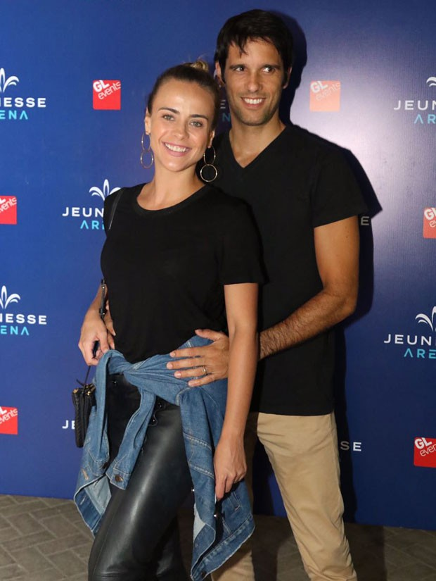 Juliana Silveira e João Vergara (Foto: Ed.Globo/Daniel Janssens)