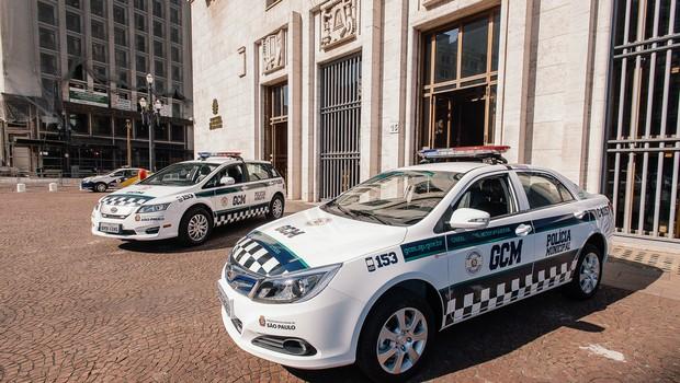 BYD e6 e e5 doados à Guarda Municipal de São Paulo (Foto: Divulgação)