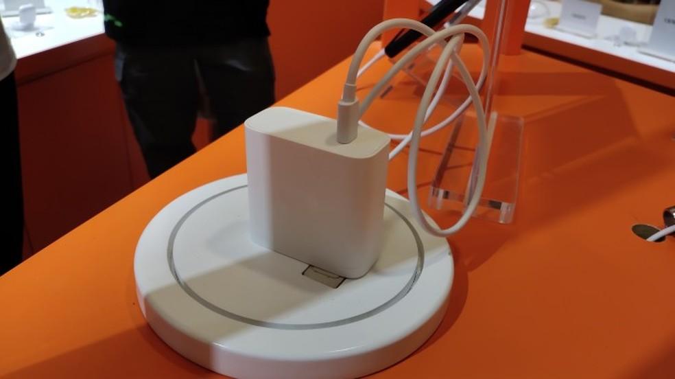Novo carregador da Oppo pode reabastecer celular em 20 minutos — Foto: Reprodução/GSM Arena