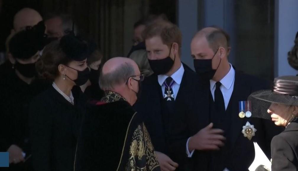 William e Henry após o funeral do avô, príncipe Philip — Foto: Reprodução