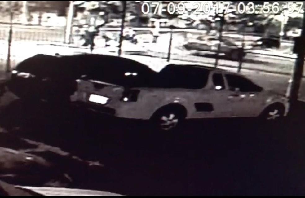 Câmeras de segurança de uma loja gravaram momento do atropelamento em São José dos Campos (Foto: Divulgação/Polícia Civil)