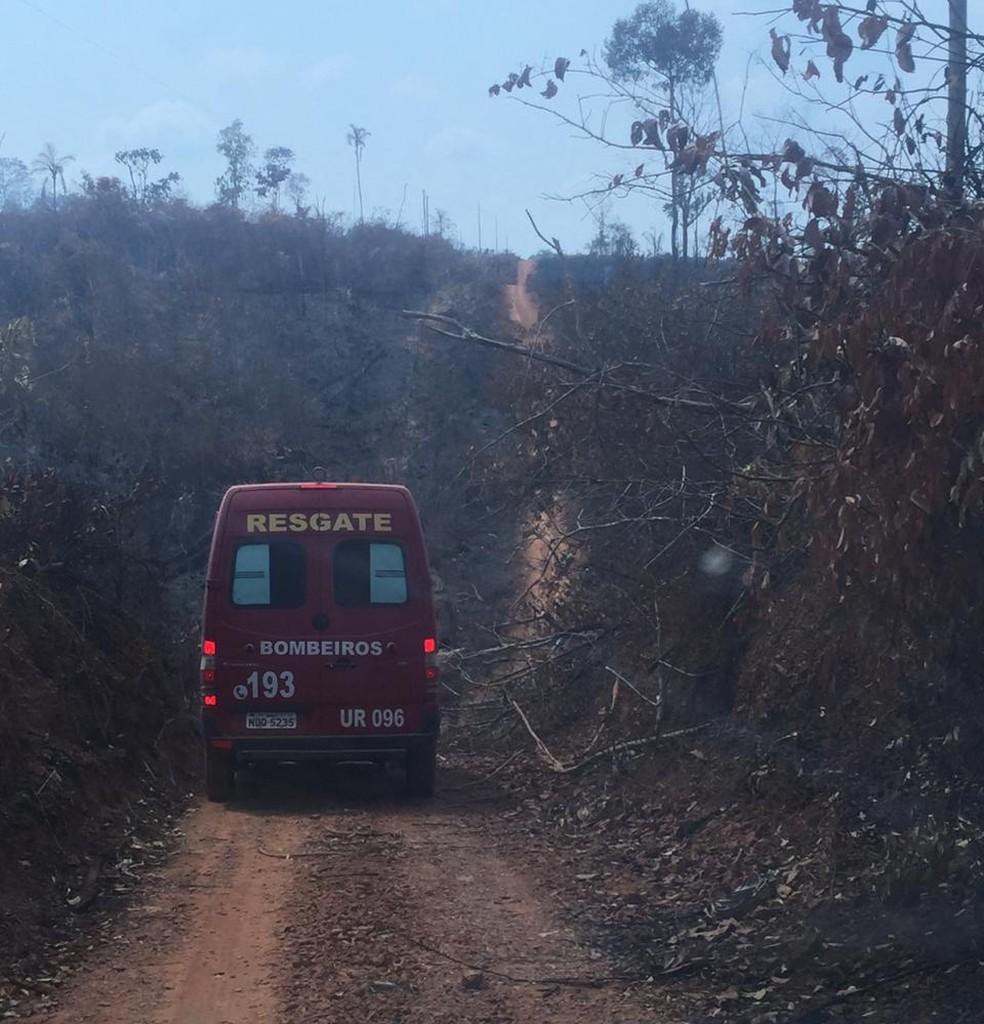 Equipes percorrem áreas com incêndios em Rondônia — Foto: 17ª Brigada/Divulgação