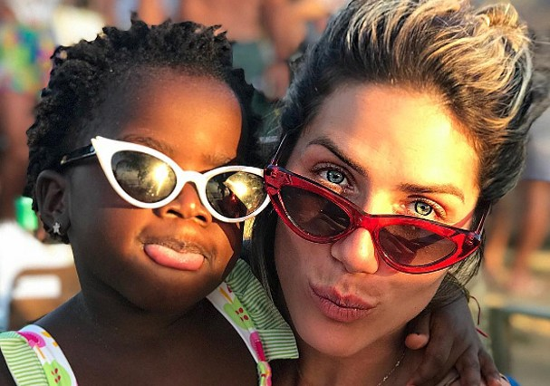 Giovanna Ewbank e Títi (Foto: Reprodução)