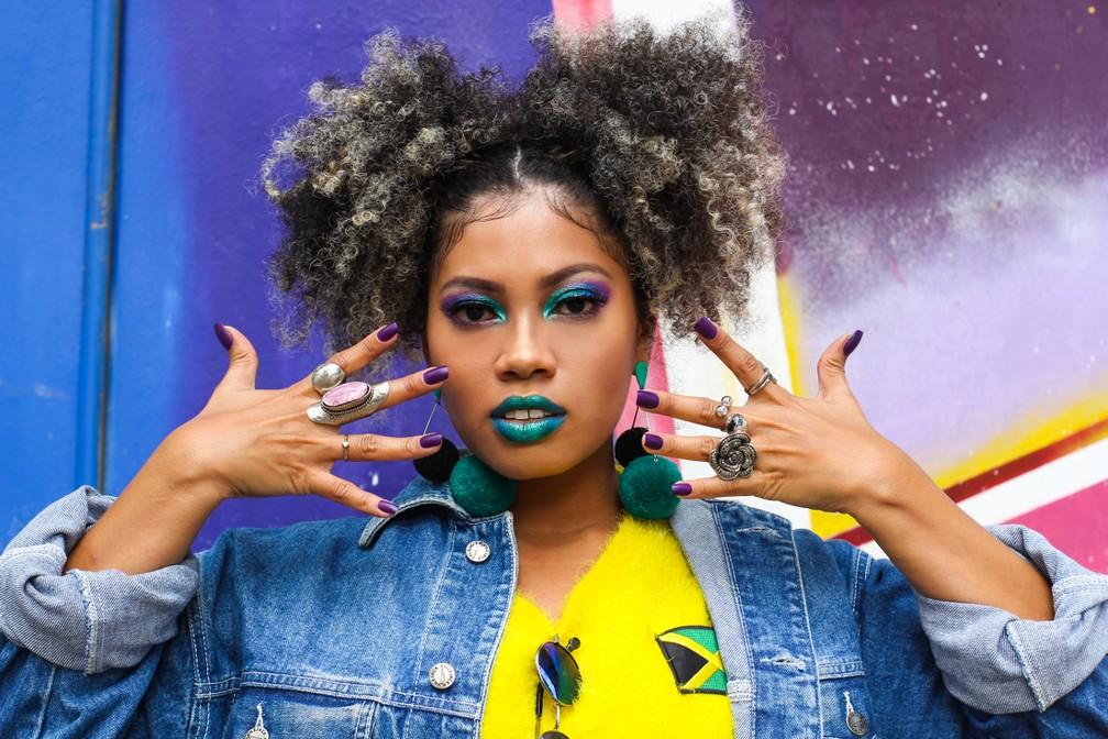 -    34;Sou preta  34; dá nome ao novo trabalho da cantora e compositora Thais Badu  Foto: Ketlen Suzy/ Divulgação