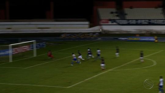 Confiança desembarca em Aracaju após goleada no Remo e mira seis pontos em casa