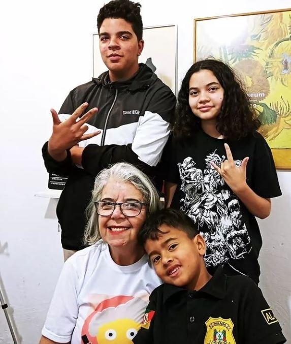 Dias dos Avós: idosas no DF inovam com serviço de 'vovó de aluguel' e compartilham rotina na internet para empoderar outras mulheres