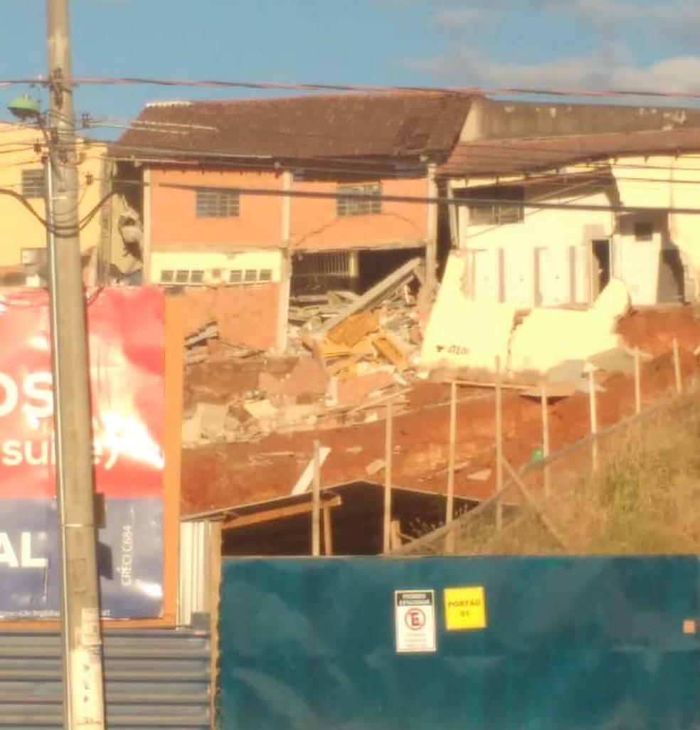 Casa desmorona em Cuiabá. — Foto: Divulgação