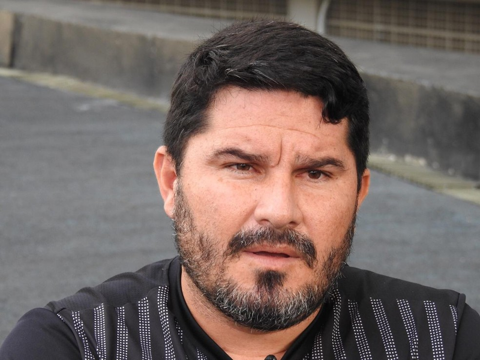 Eduardo Barroca dividiu a temporada do Botafogo em quatro ciclos — Foto: Fred Gomes/GloboEsporte.com