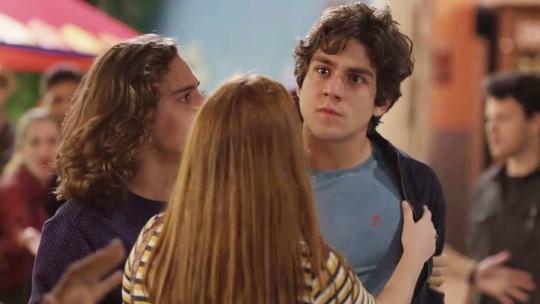 Alex surta ao ver beijo de Maria Alice e Hugo: 'Vou te dar um soco na cara'