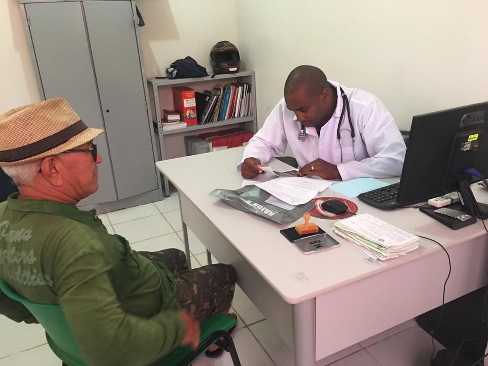 Raymel Kessel atuava como médico na cidade de Ilha Grande — Foto: Arquivo Pessoal