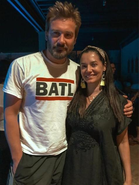 No Marrocos gravando 'Jezabel', Mônica Carvalho encontrou Clive Standen, do elenco de 'Vikings' (Foto: Arquivo pessoal)