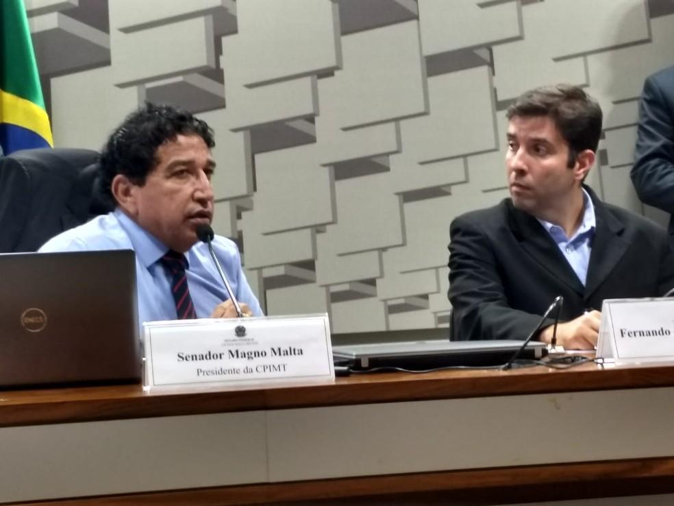 Senador Magno Malta em audiência com Fernando de Carvalho Lopes (Foto: Maurício Oliveira)