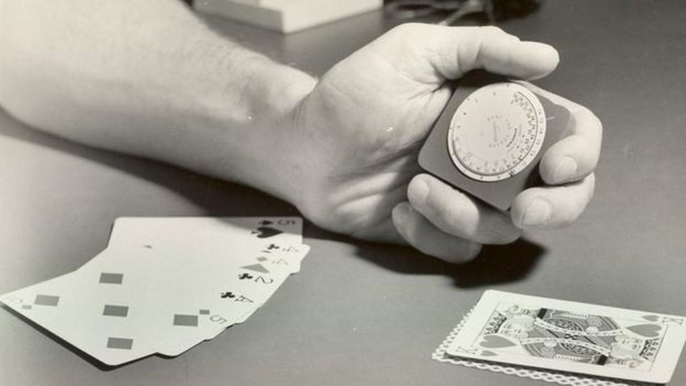 Thorp treina técnica de contagem de carta para aplicar em cassinos  (Foto: Divulgação)