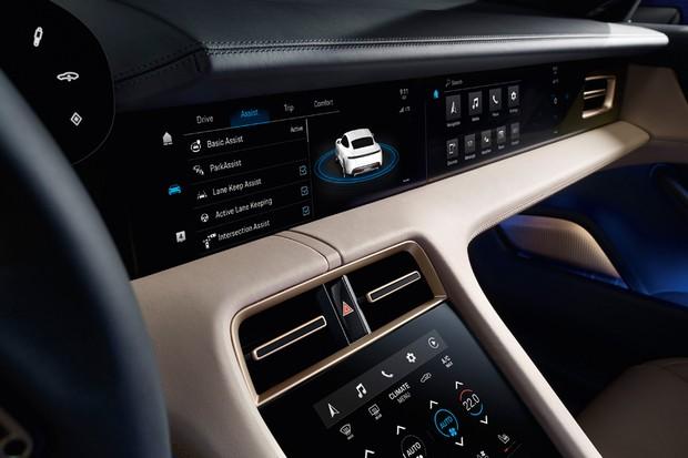 Tecnologia inclui multimídia de ponta e assistente virtual (Foto: Divulgação)