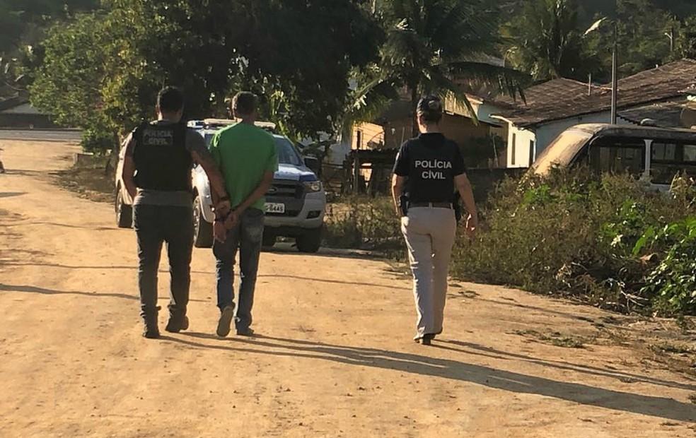 Prisão foi efetuada na tarde de quinta-feira — Foto: Divulgação/Polícia Civil