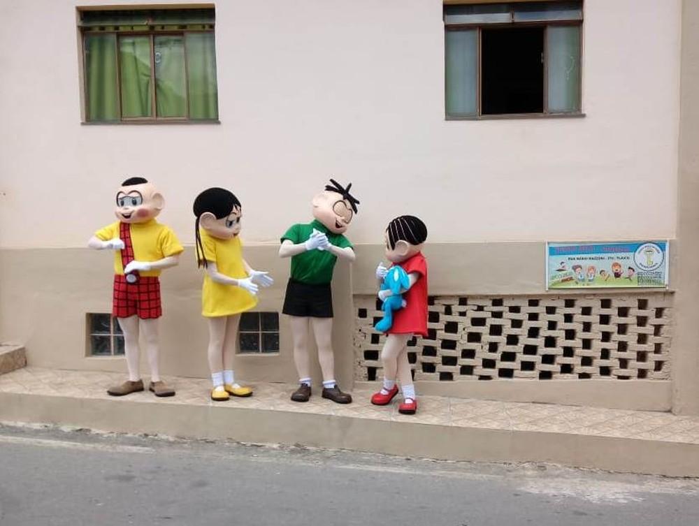 Personagens da Turma da Mônica original visitam escola em São João del Rei — Foto: Rádio São João del Rei/Reprodução