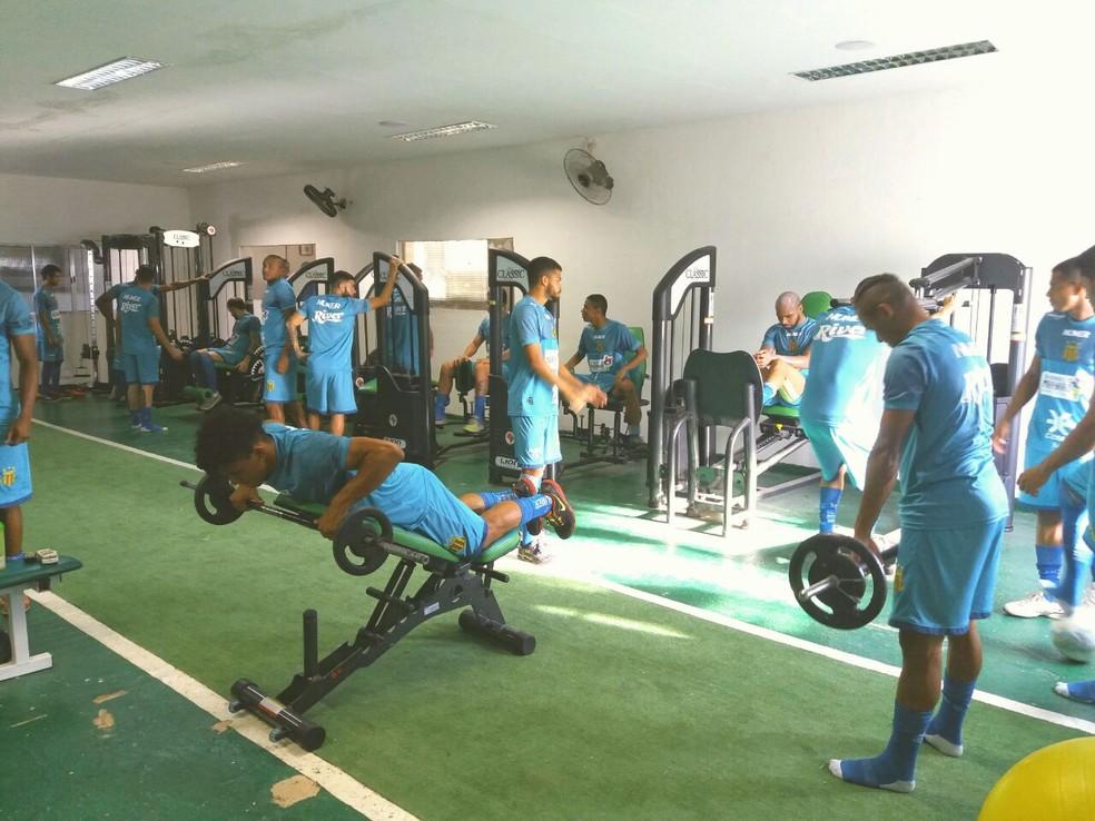 Trabalho na reapresentação foi realizado na academia do clube (Foto: Sampaio / Divulgação)