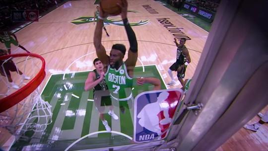 Incansável, James Harden assombra mais uma vez e é o cara da semana da NBA
