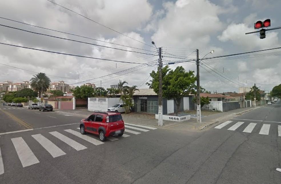 Rua dos Potiguares será interditada no cruzamento com a Avenida Jerônimo Câmara em Natal — Foto: Google