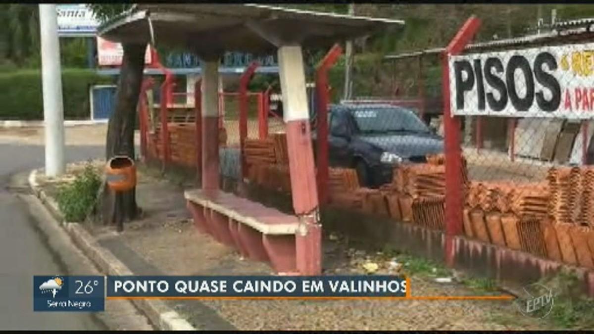 Com estrutura quebrada, ponto de ônibus 'torto' de Valinhos gera reclamação de morador; VÍDEO - G1