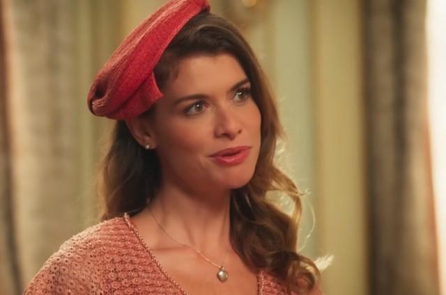Alinne Moraes é Dora em 'Epelho da vida' (Foto: TV Globo)